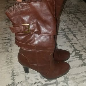 a.n.a size 7 pair of brown boots